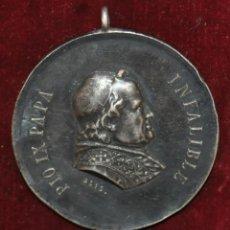 Medallas históricas: MEDALLA DE PLATA DEL PAPA PIO IX INFALIBLE. 1ª ROMERIA ESPAÑOLA AL VATICANO. AÑO 1876.. Lote 148706010