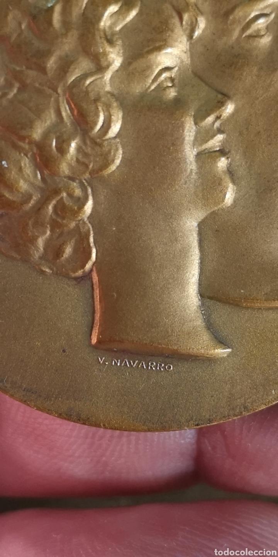 Medallas históricas: medalla conmemorativa de Su Alteza Real don Juan Carlos de Borbón Príncipe de Asturias 1962 - Foto 2 - 152854689