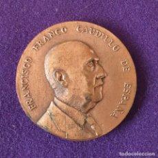 Medallas históricas: MEDALLA DE FRANCO. VISITA A MARTORELL. CATALUÑA. COBRE. . Lote 155492794