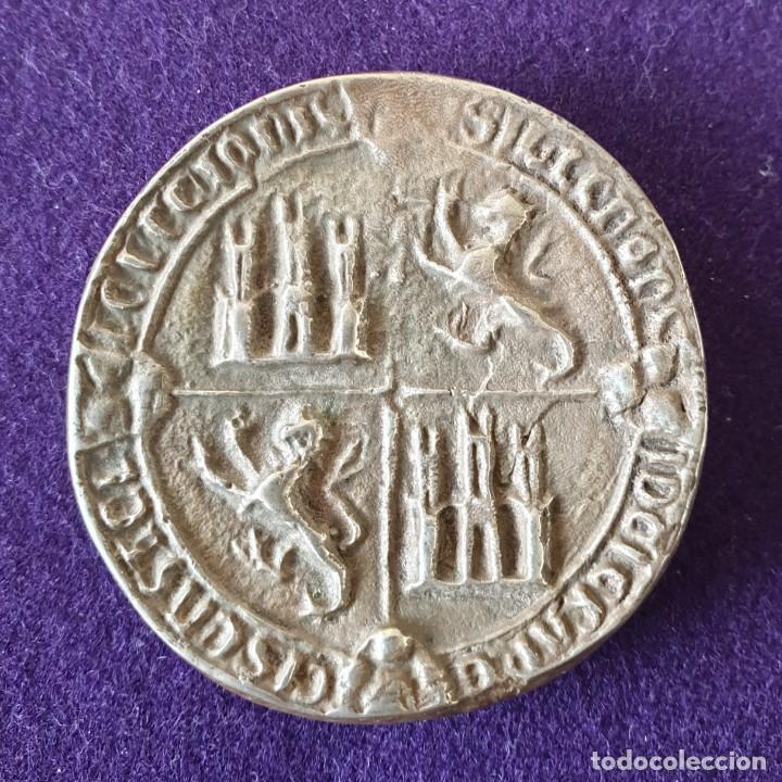 Medallas históricas: MEDALLA DE PLATA. PACTO DE ARRIAGA, VITORIA(ALAVA).ALFONSO XI DE CASTILLA.1332-1982.650 ANIVERSARIO - Foto 3 - 155495362