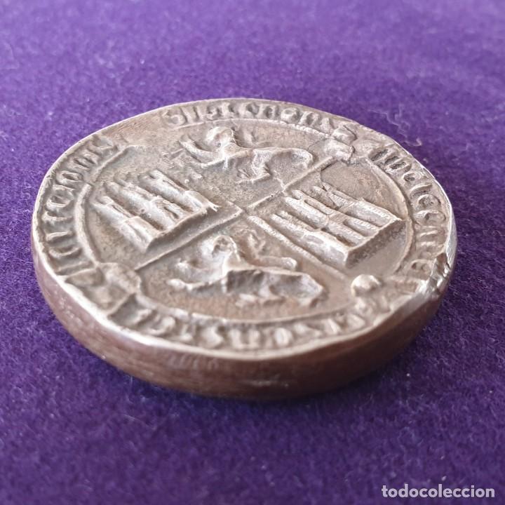 Medallas históricas: MEDALLA DE PLATA. PACTO DE ARRIAGA, VITORIA(ALAVA).ALFONSO XI DE CASTILLA.1332-1982.650 ANIVERSARIO - Foto 4 - 155495362