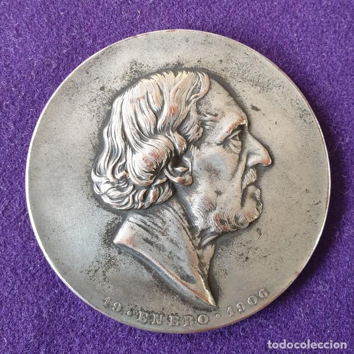 MEDALLA HOMENAJE AL GENERAL BARTOLOME MITRE. REVERSO J. DE H. Y N. A. BUENOS AIRES. COBRE PLATEADO (Numismática - Medallería - Histórica)