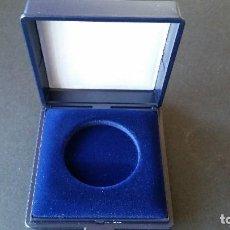 Medallas históricas: MONEDA- ESTUCHE VACIO PARA MONEDA DE DIAMETRO 36MM. SC UNC ( L086 ). Lote 156529338