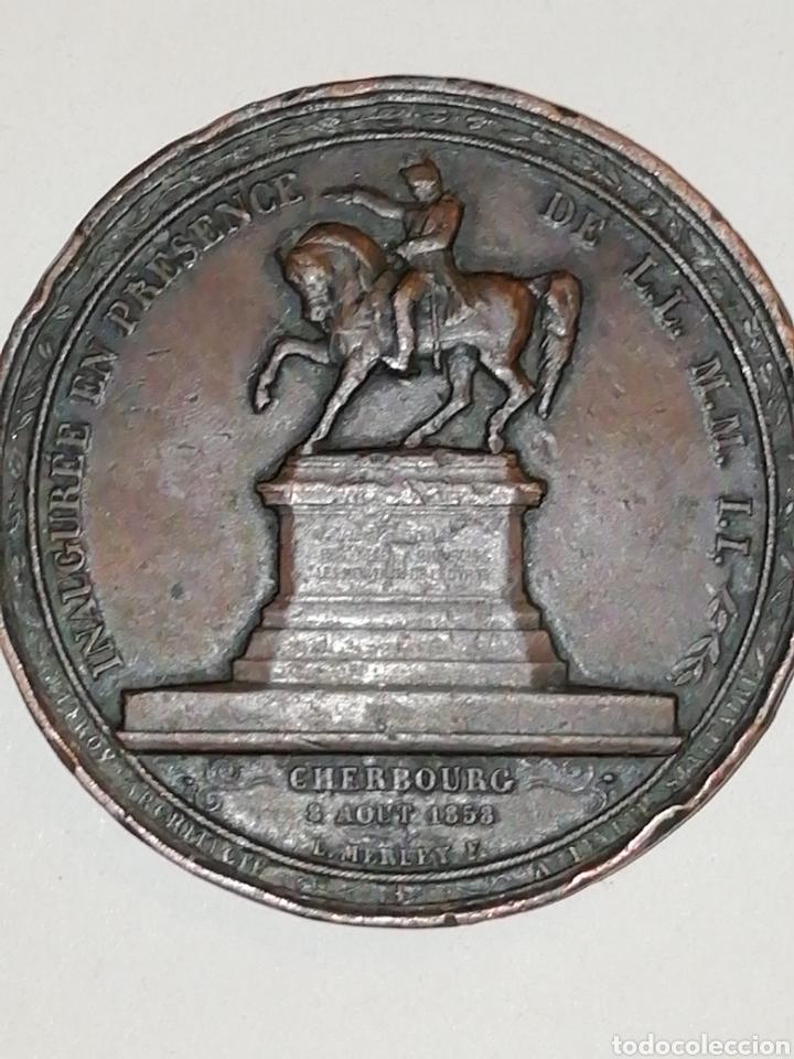 Medallas históricas: SEGUNDO IMPERIO, ESTATUA ECUESTRE DE NAPOLEÓN I EN CHERBURGO (EGIPTO), 1858 PARÍS - Foto 3 - 158696016