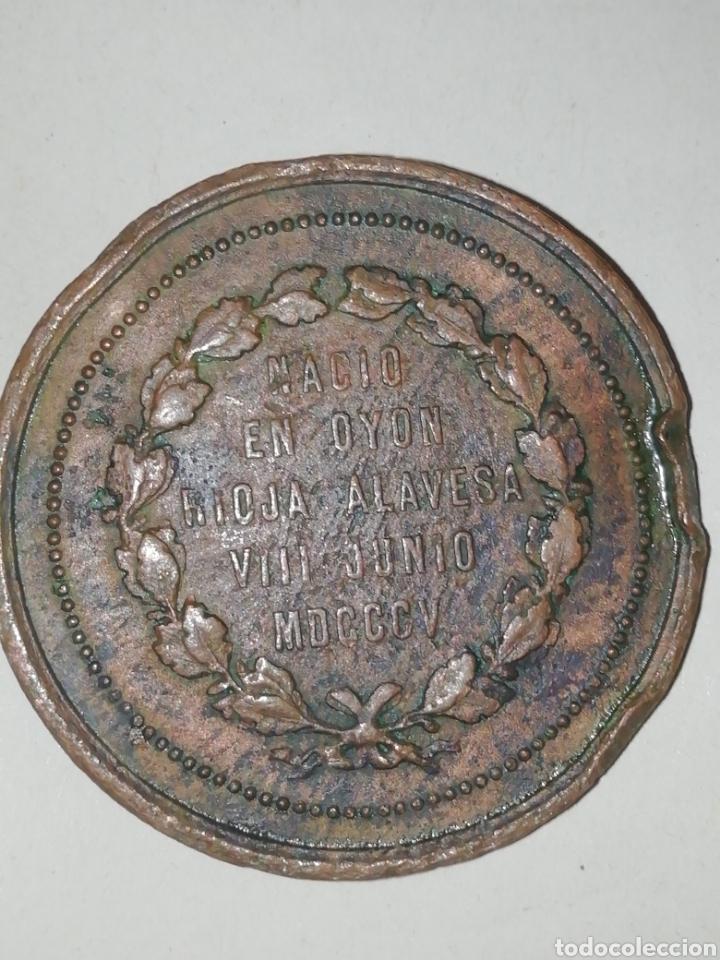 Medallas históricas: MEDALLA CONMEMORATIVA DE SALUSTIANO OLAZAGA,RIOJA ALAVESA OYON MDCCV - Foto 2 - 158705904
