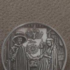 Medallas históricas: MEDALLA PLATA 64 GRAMOS I CONIUGI ARNOLFINI DE JAN VAN EYCK 2ONZAS. Lote 159053336