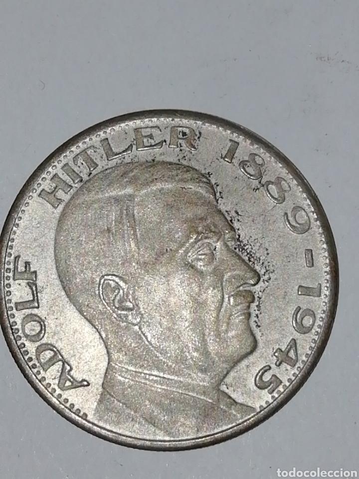 ALEMANIA III REICH MONEDA PLATA ADOLF HITLER 1889-1945 35 MM ESVASTICA (Numismática - Medallería - Histórica)
