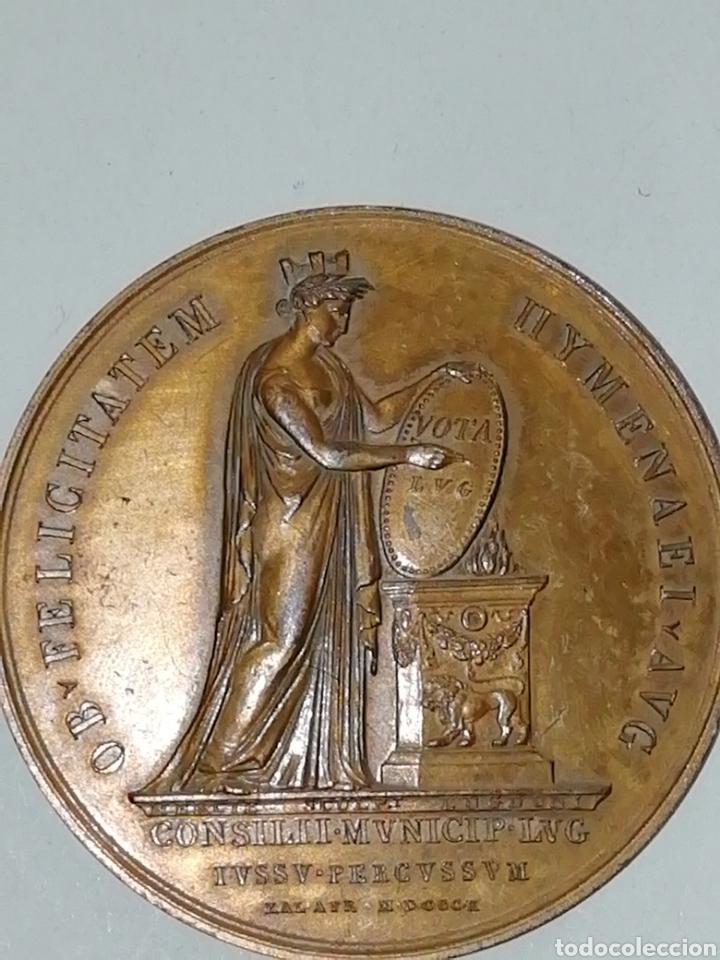 V09_1598-PRIMER IMPERIO MÉDAILLE BR 48, LA VILLE DE LYON EN L'HONNEUR DU MARIAGE DE NAPOLÉON IER E (Numismática - Medallería - Histórica)
