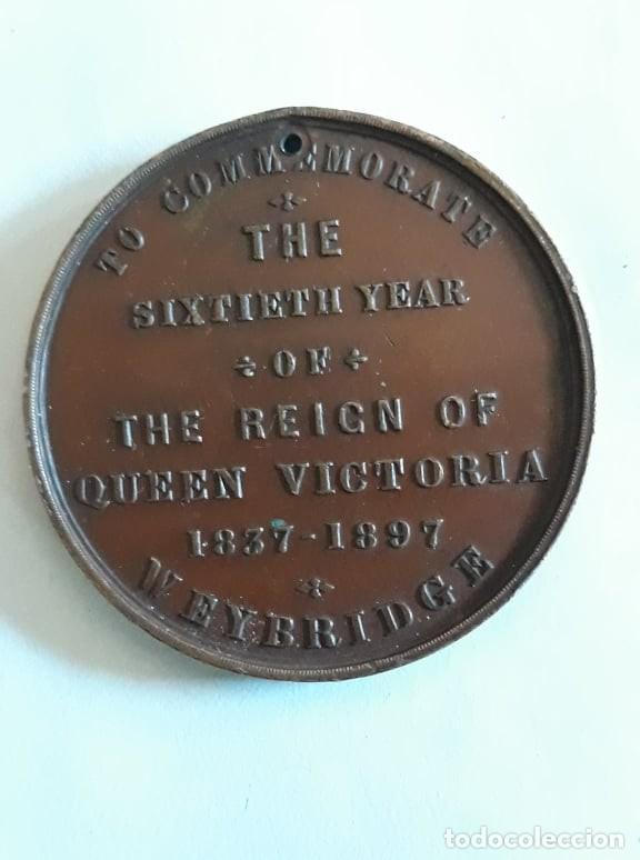 Medallas históricas: medalla en bronce conmemorando 60 años de reinado de la reina victoria 1837 1897 firmado vaughton - Foto 2 - 159760822