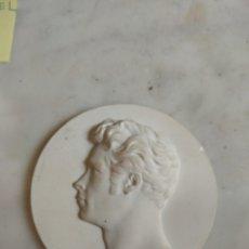 Medallas históricas: MEDALLA - MEDALLÓN DE PORCELANA KARL FRIEDRICH SCHINKEL 1781 - 1841. Lote 160311690