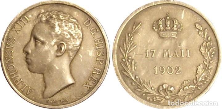 Medallas históricas: ESPAÑA. MEDALLA CONMEMORATIVA MAYORÍA DE EDAD Y CORONACIÓN DE ALFONSO XIII. 1.902. PLATA - Foto 3 - 161437982