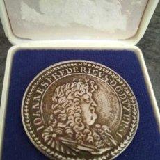 Medallas históricas: CURIOSA MONEDA PLATA DE JUAN FEDERICO DE BRUNSWICK Y LUNEBURGO IOANNES FREDERICVS DG. Lote 162392150
