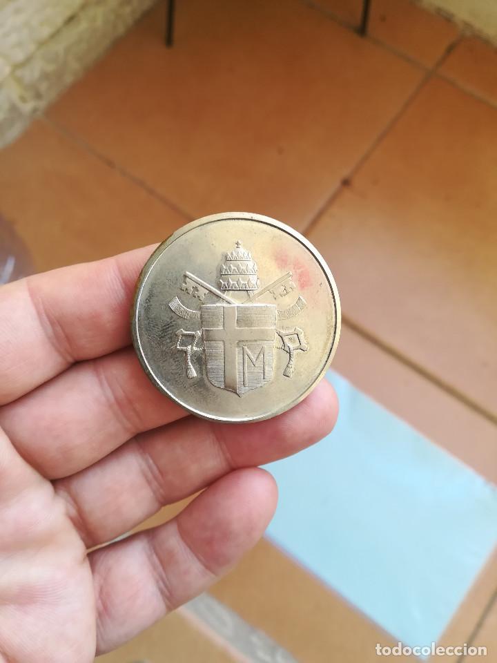 Medallas históricas: MEDALLA CONMEMORATIVA DEL VIAJE DEL PAPA JUAN PABLO II A ESPAÑA - Foto 2 - 162934202