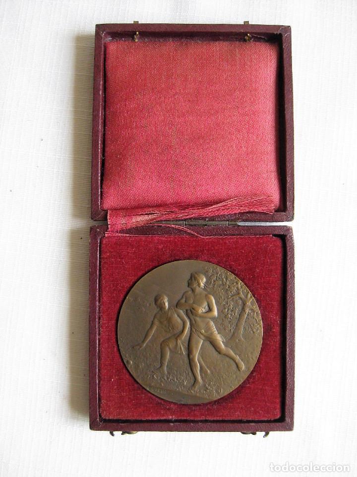 Medallas históricas: MEDALLA FIRMADA EN BRONCE LUCIEN CARIAT - CONMEMORATIVA JUEGOS ATLETICOS JUNIO 1919 - Foto 2 - 164897586