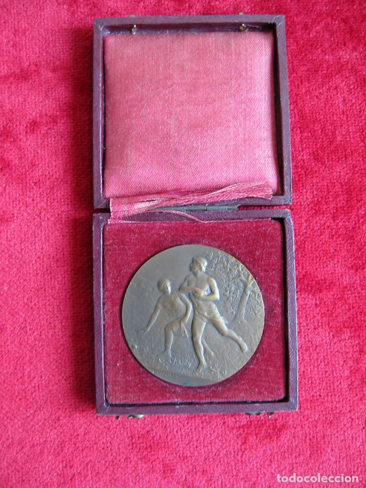 Medallas históricas: MEDALLA FIRMADA EN BRONCE LUCIEN CARIAT - CONMEMORATIVA JUEGOS ATLETICOS JUNIO 1919 - Foto 4 - 164897586