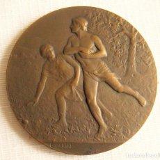 Medallas históricas: MEDALLA FIRMADA EN BRONCE LUCIEN CARIAT - CONMEMORATIVA JUEGOS ATLETICOS JUNIO 1919. Lote 164897586