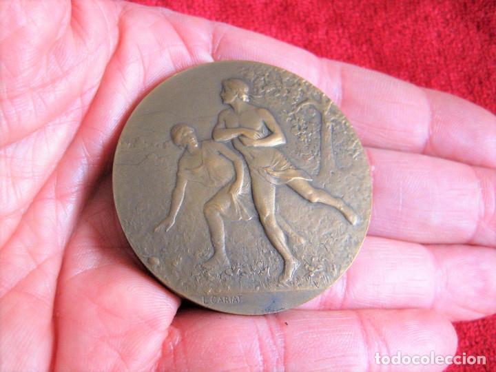 Medallas históricas: MEDALLA FIRMADA EN BRONCE LUCIEN CARIAT - CONMEMORATIVA JUEGOS ATLETICOS JUNIO 1919 - Foto 7 - 164897586