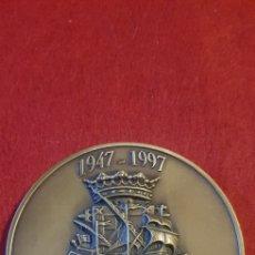 Medallas históricas: MEDALLA 50 ANIVERSARIO BAZAN 1947-1997, BRONCE. Lote 165115545