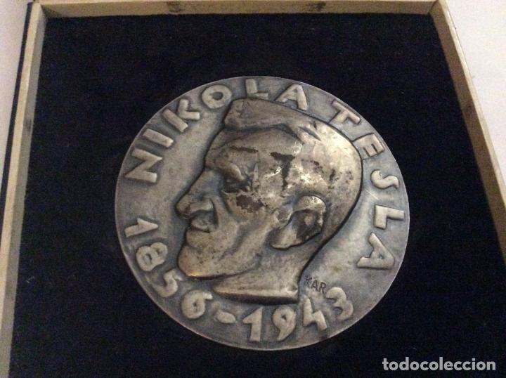 MEDALLA TESLA TELEKOMUNIKACIJE ZAGREB CON SU CAJA (Numismática - Medallería - Histórica)