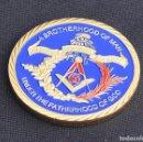 Medallas históricas: MONEDA DORADA HERMANDAD MASÓNICA. Lote 167588254