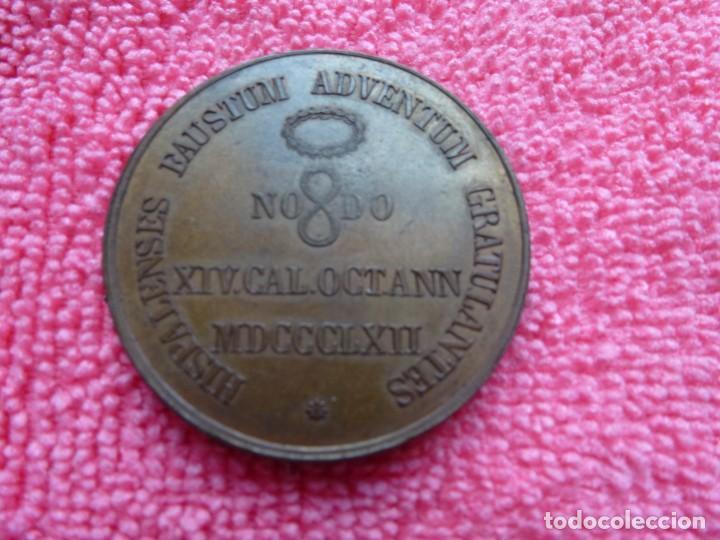 Medallas históricas: Medalla Isabel II - 1862 - Visita a Sevilla - 29,8 gr. - Foto 2 - 169223516