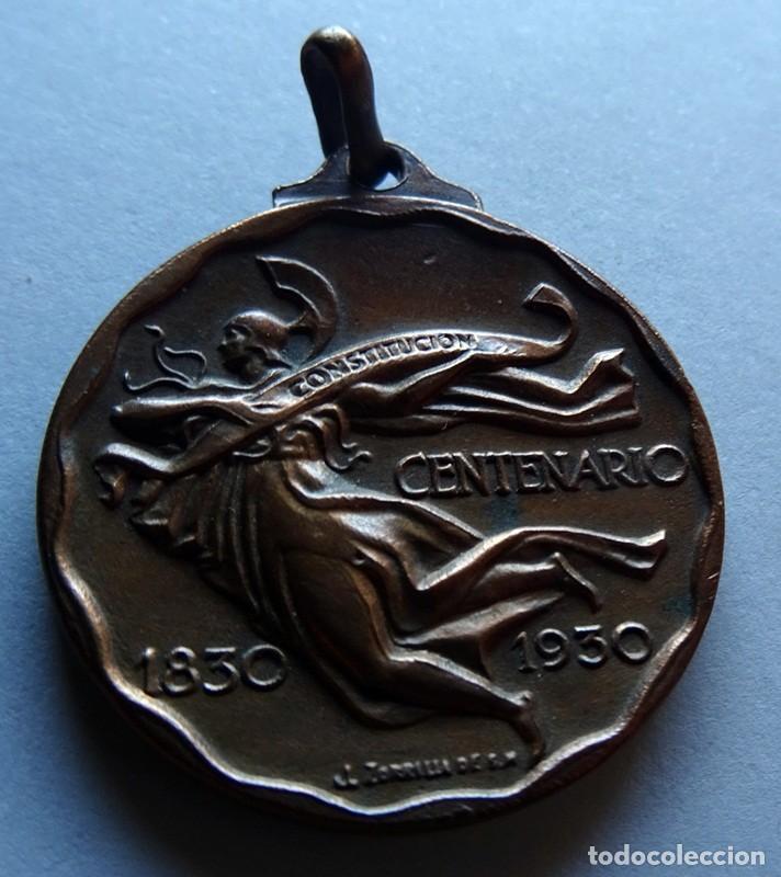 MEDALLA CONMEMORATIVA DEL CENTENARIO JURA DE LA CONSTITUCIÓN DE LA REPÚBLICA O.DEL URUGUAY 1830 (Numismática - Medallería - Histórica)