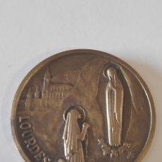 Medallas históricas: RARA MEDALLA ANTIGUA DE LA VIRGEN DE LOURDES Y MARÍA INMACULADA. Lote 171057792