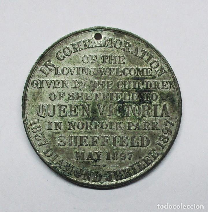 Medallas históricas: GRAN BRETAÑA, 1897. MEDALLA DEL JUBILEO DE DIAMANTE DE LA REINA VICTORIA. LOTE 0082 - Foto 2 - 172051698