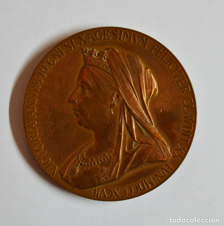 INGLATERRA, 1897. MEDALLA DE COBRE DE LA REINA VICTORIA VICTORIA DE INGLATERRA. LOTE 0086 (Numismática - Medallería - Histórica)