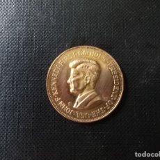 Medaglie storiche: MEDALLA CONMEMORATIVE PRIMER JFK PRIMER PRESIDENTE CATOLICO BAÑADA EN ORO NORDICO. Lote 172778368
