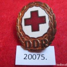 Medallas históricas: CRUZ ROJA ALEMANIA COMUNISTA DDR RDA, MEDALLA, PIN, INSIGNIA. Lote 174469487