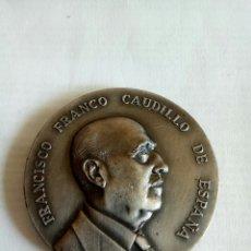 Medallas históricas: MEDALLA FRANCISCO FRANCO CAUDILLO DE ESPAÑA. Lote 174508225