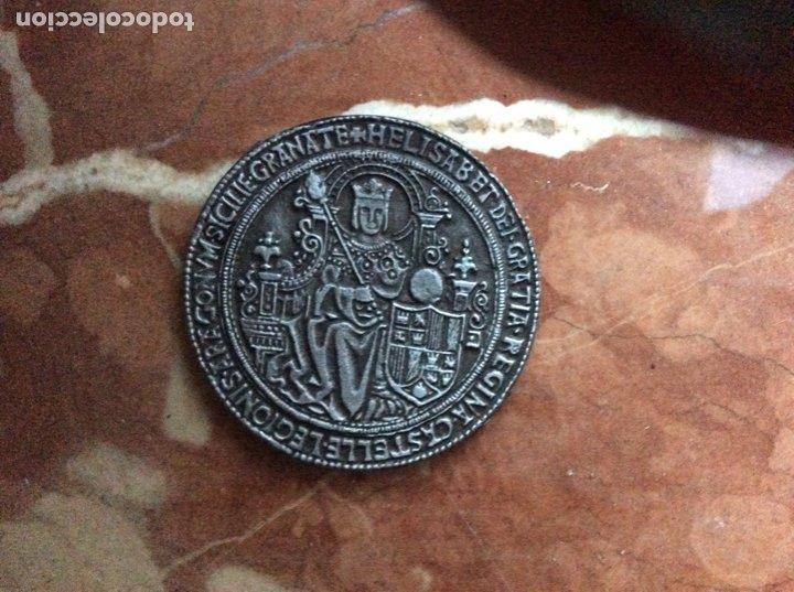 MEDALLA CONMEMORATIVA DE ISABEL Y FERNANDO 6CM DE DIÁMETRO.ARAGON. (Numismática - Medallería - Histórica)