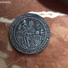 Medallas históricas: MEDALLA CONMEMORATIVA DE ISABEL Y FERNANDO 6CM DE DIÁMETRO.ARAGON.. Lote 176595269