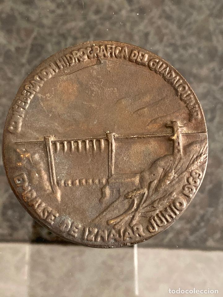 Medallas históricas: MEDALLA DE BRONCE Confederación Hidrográfica del Guadalquivir Junio 1969 - Foto 3 - 180465438