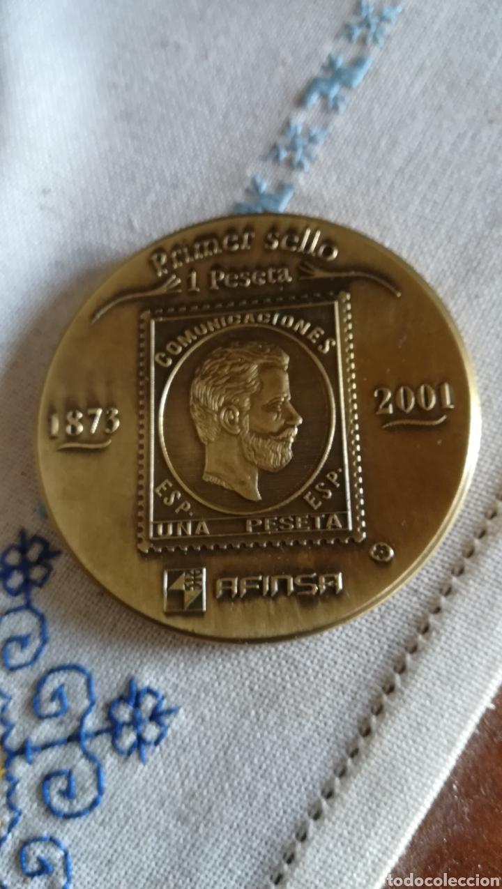 MEDALLA CONMEMORATIVA PRIMER Y ÚLTIMO SELLO DE 1 PESETA (Numismática - Medallería - Histórica)