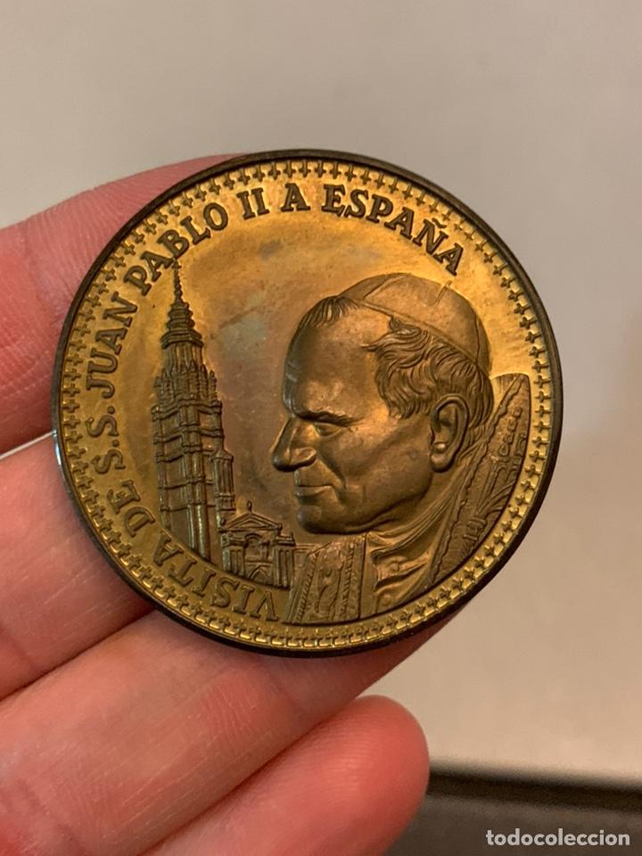 Medallas históricas: Medalla. Visita JUAN PABLO II A ESPAÑA. ZARAGOZA ( única TC). Lato o bronce. 27 gramos - Foto 2 - 187368812