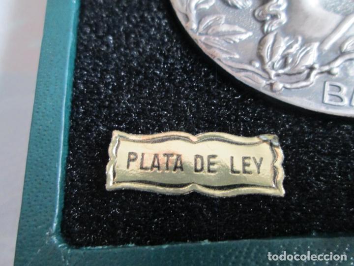 Medallas históricas: Medalla Circulo del Liceo Barcelona, CXXV Aniversario 1847-1972, Plata de Ley. - Foto 5 - 190587813