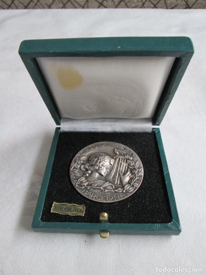 MEDALLA CIRCULO DEL LICEO BARCELONA, CXXV ANIVERSARIO 1847-1972, PLATA DE LEY. (Numismática - Medallería - Histórica)