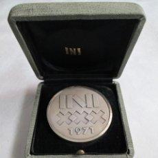 Medallas históricas: MEDALLA XXX INI, 1941-1971 PLATA.. Lote 190589475