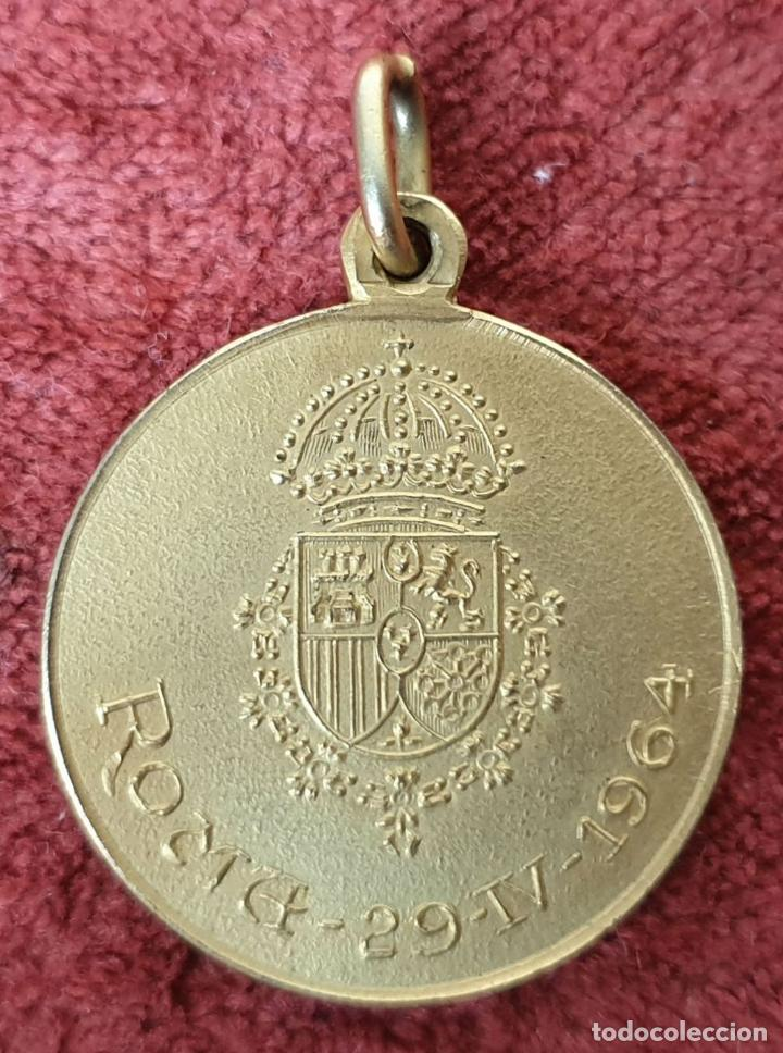Medallas históricas: MEDALLA CARLISTA. ENLACE DE CARLOS HUGO DE BORBÓN E IRENE. ROMA 1964 - Foto 2 - 208799431
