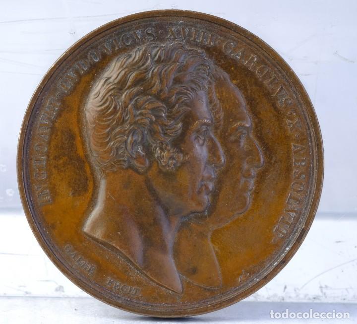 MEDALLA EN COBRE INCHOAVIT. LVDOVICVS. XVIII. CAROLVS. X. ABSOLVIT 1825 - 30 MM (Numismática - Medallería - Histórica)