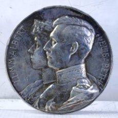 Medallas históricas: MEDALLA EN PLATA LLMM ALBERT ET ELISABETH 1910 - 70 MM - 113 GR - MUY RARA. Lote 194149118