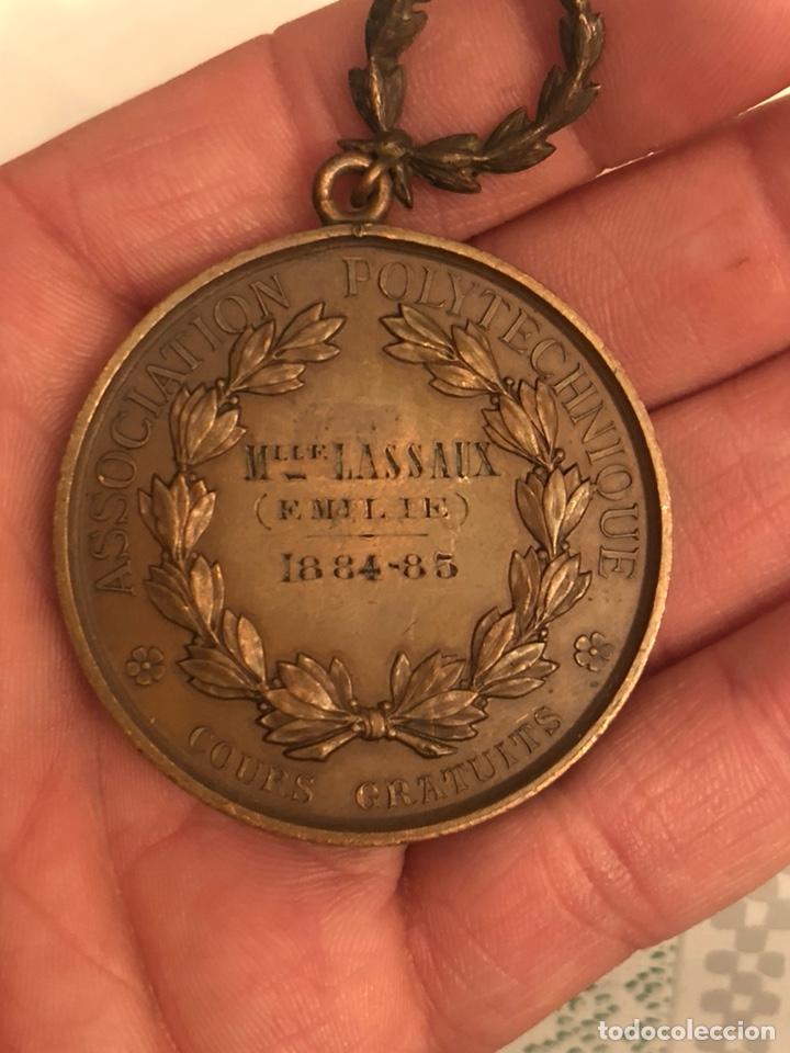 Medallas históricas: Magnifica medalla antigua francesa a clasificar - Foto 2 - 194727635