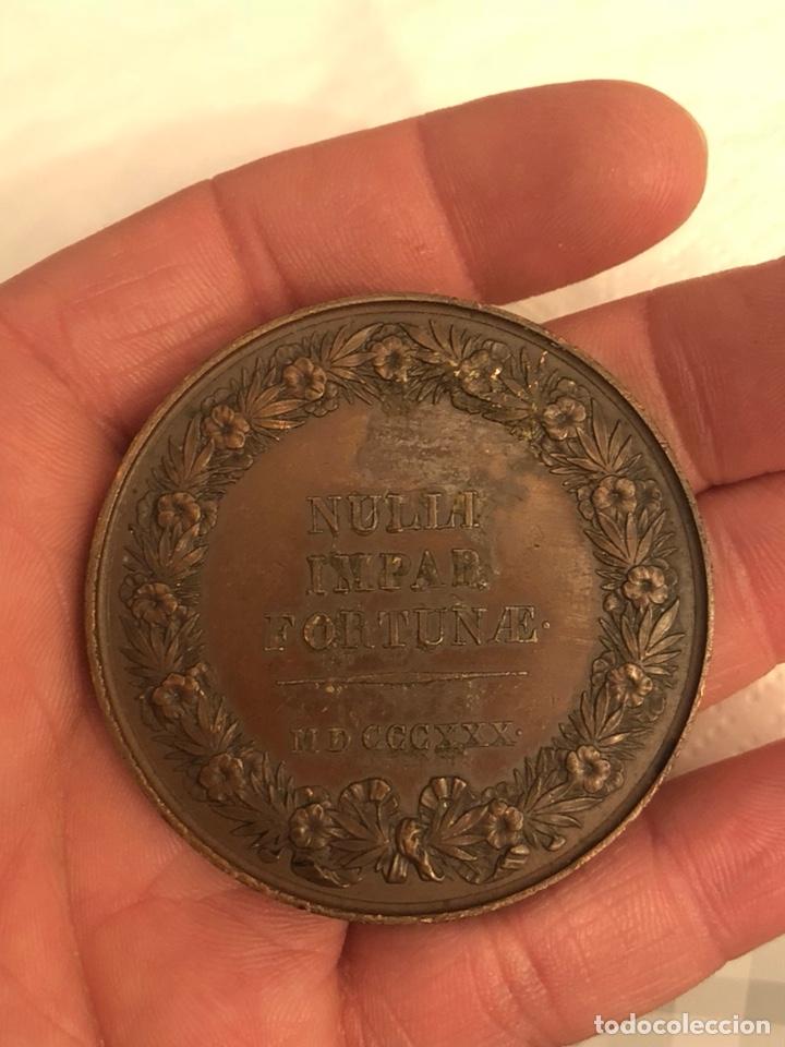 Medallas históricas: Magnifica medalla antigua francesa a clasificar - Foto 2 - 194728386