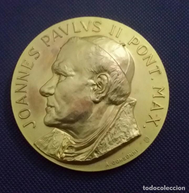 MEDALLA JUAN PABLO II EN VENEZUELA. DE A. CONSONNI. RENUEVA TU FE. JOANNES PAULUS II PONT MAX (Numismática - Medallería - Histórica)