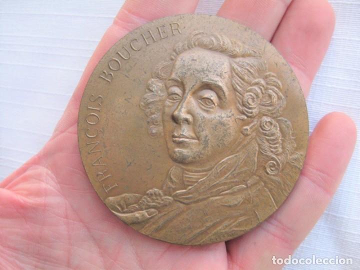 MEDALLA DE BRONCE 1966 FIRMADA C. LESOT, DEDICADA A FRANCOIS BOUCHER, PINTOR ROCOCÓ 1703-1770 (Numismática - Medallería - Histórica)