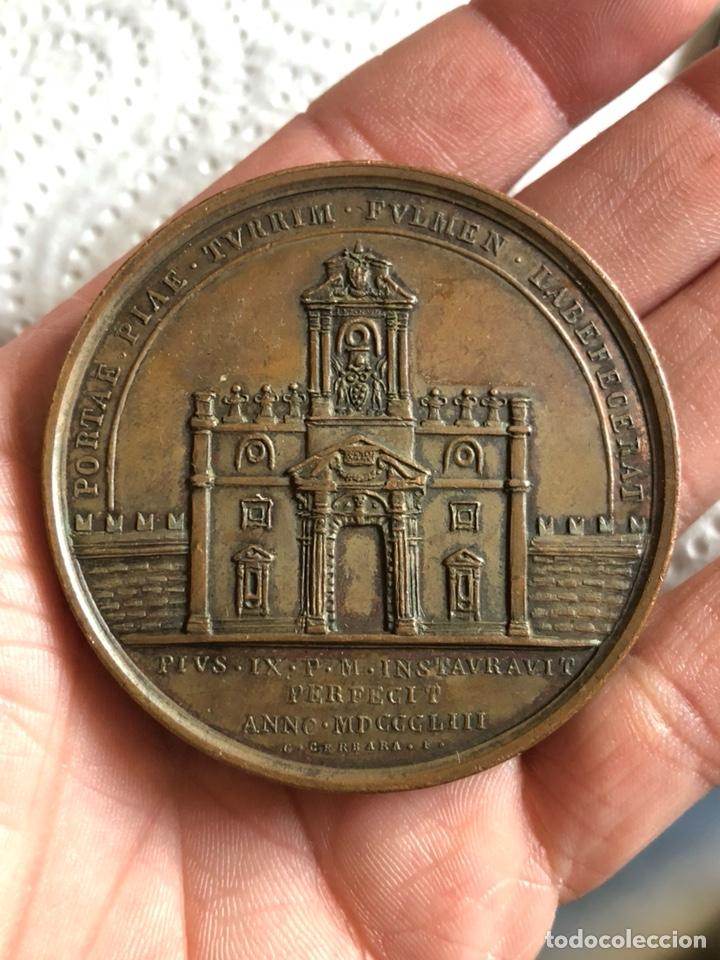 Medallas históricas: Magnifica medalla del papa pío IX, original - Foto 2 - 197828565