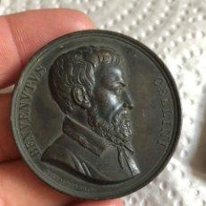 Medallas históricas: MEDALLA ITALIANA BENVENUTUS CELLINI, AÑO 1800. Lote 197830246