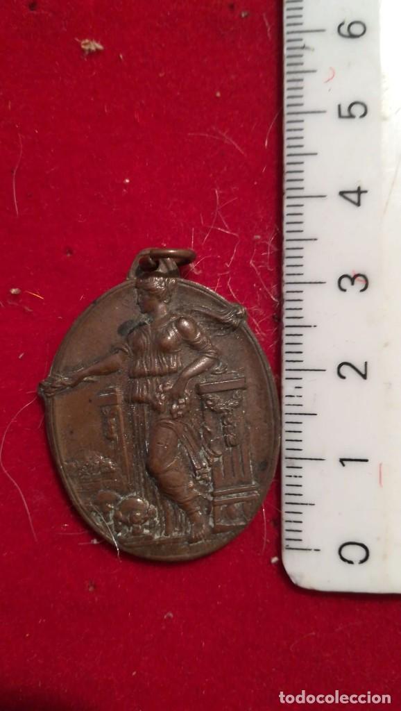 MEDALLA ESCOLAR DEL IV ANIVERSARIO DE LA REPÚBLICA, AÑO 1935. CATALUNYA. (Numismática - Medallería - Histórica)